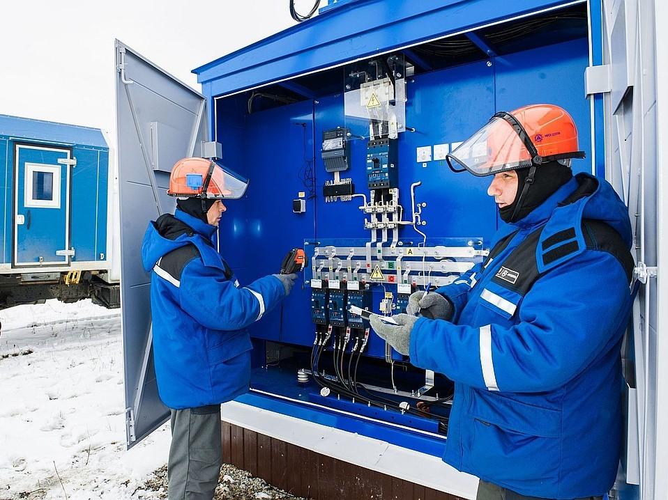 Устройство и безопасная эксплуатация электроустановок напряжением до 1000В. Электробезопасность III группа.